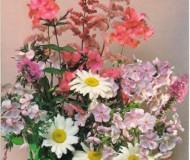 Цветочная композиция - букет из полевых и садовых цветов