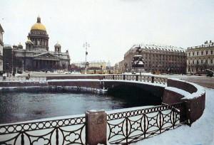 исаакиевская  площадь - вид с Мойки